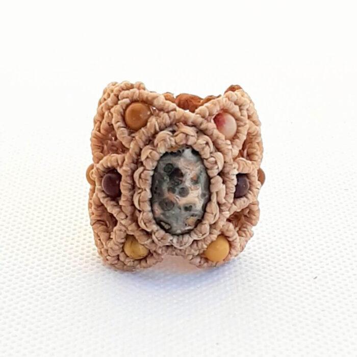 Anillo con jaspe leopardo crudo