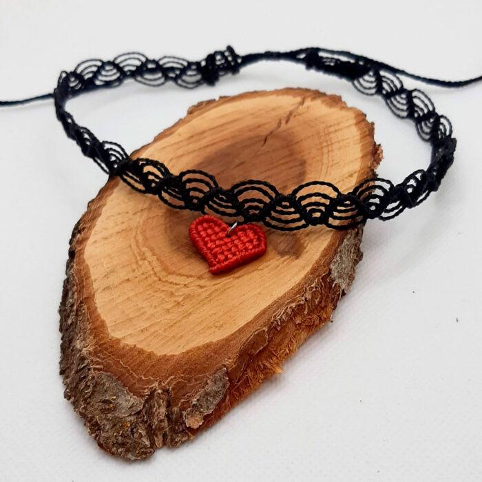 Gargantilla de macramé colección Love corazón color rojo