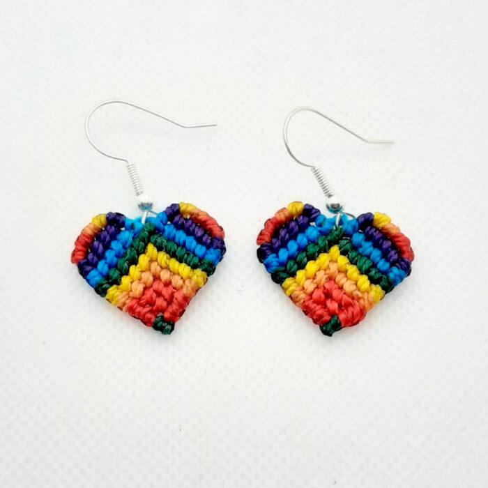 Pendientes de macramé colección Love corazón color arcoiris