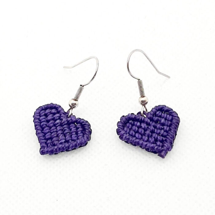 Pendientes de macramé colección Love corazón lila