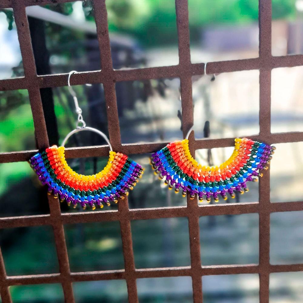 Pendientes de macramé colores del arcoiris