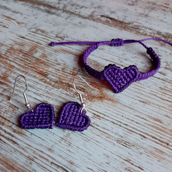 Pulsera y pendientes de macramé de color morado de la colección Love en forma de corazón